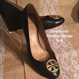 Tory Burch Chelsea black wedge Sz 8